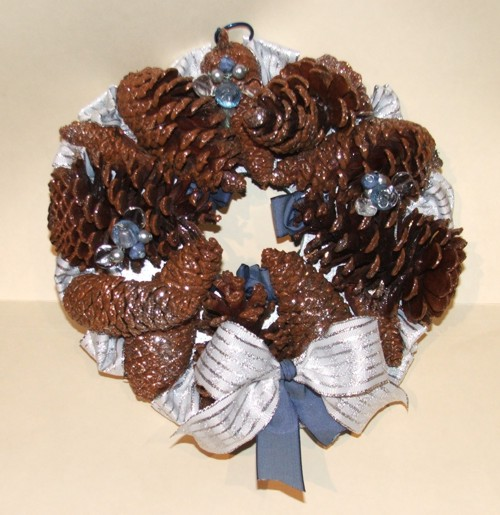 Pine Artz Silver wreath for christmas
